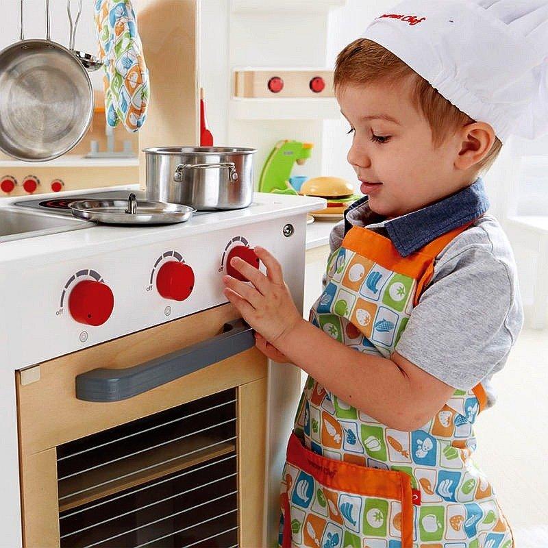Beżowa Kuchnia Dla Dzieci Z Wysuwanym Blatem E3126 Hape Kuchnia Dla Dzieci